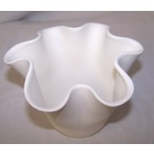 small scallop top vase
